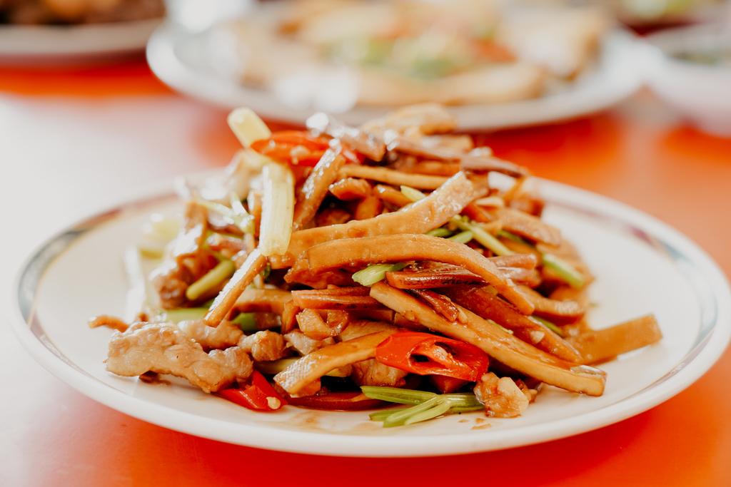 潮州美食 灘頭客家常菜 屏東潮州在地的好味道 滷豬腳、薑絲大腸、紅燒豆腐必點28.jpg