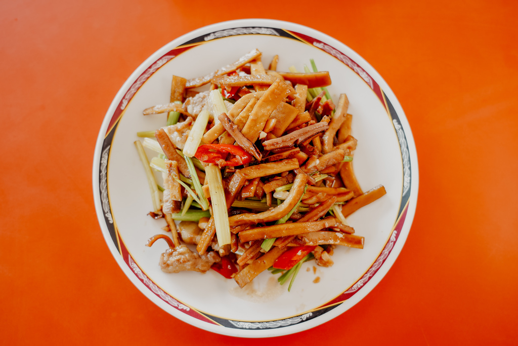 潮州美食 灘頭客家常菜 屏東潮州在地的好味道 滷豬腳、薑絲大腸、紅燒豆腐必點29.jpg