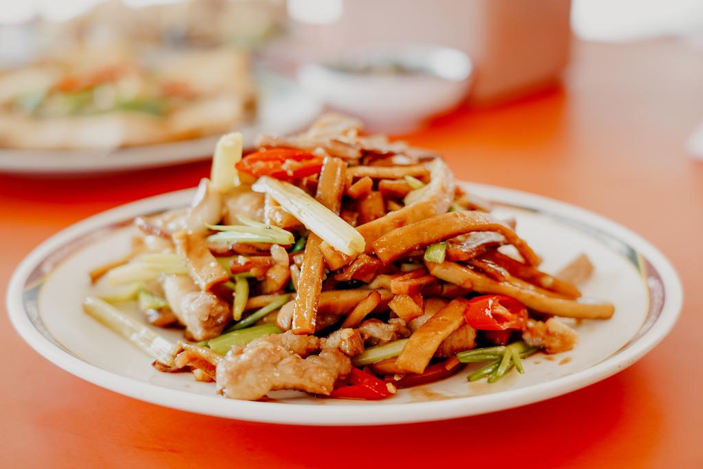 潮州美食 灘頭客家常菜 屏東潮州在地的好味道 滷豬腳、薑絲大腸、紅燒豆腐必點30.jpg