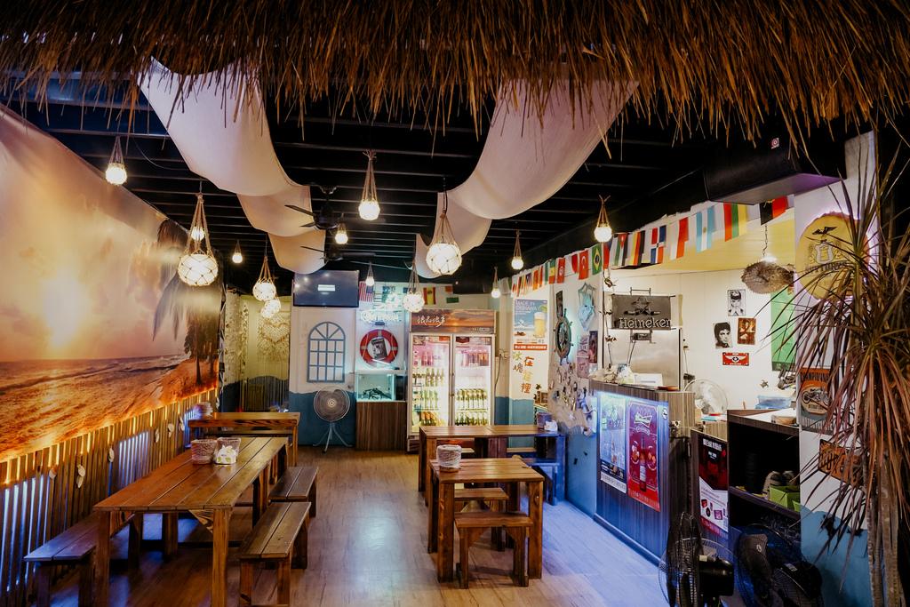 台南東區燒烤 浪兄浪弟 海鮮燒烤Bar 南洋海島環境氛圍 雞翅 骰子牛 美國生蠔必吃5.JPG
