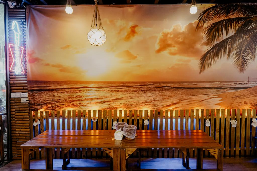 台南東區燒烤 浪兄浪弟 海鮮燒烤Bar 南洋海島環境氛圍 雞翅 骰子牛 美國生蠔必吃7.JPG