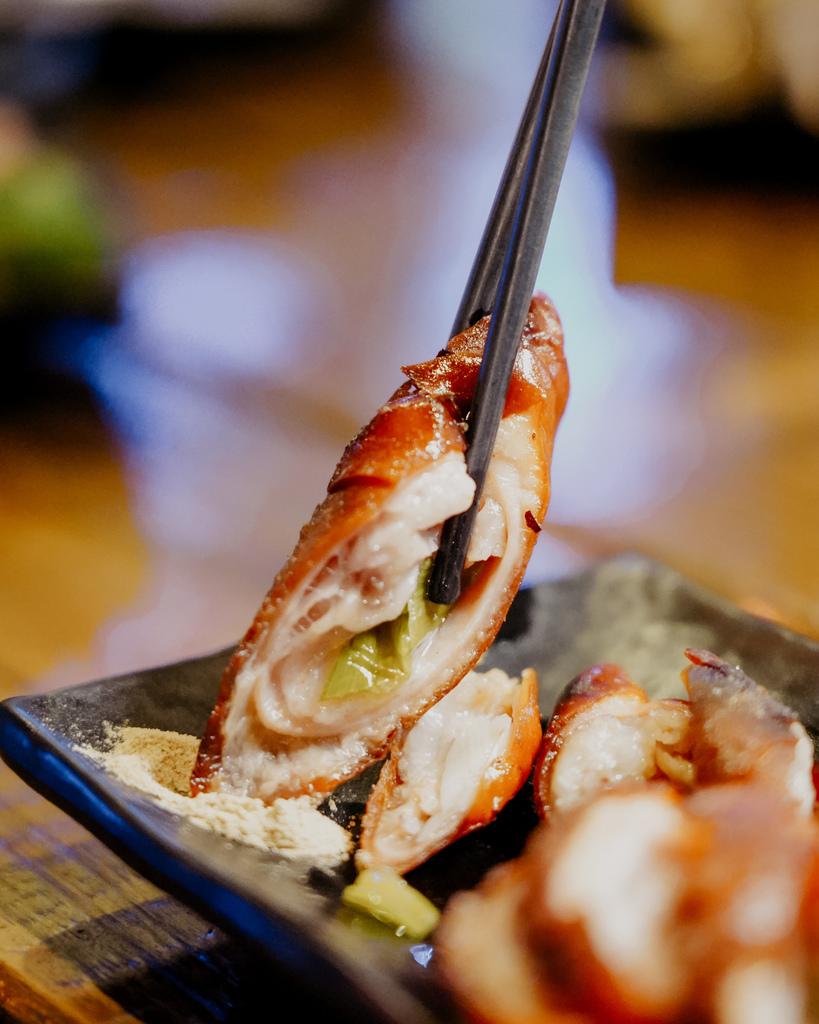 台南東區燒烤 浪兄浪弟 海鮮燒烤Bar 南洋海島環境氛圍 雞翅 骰子牛 美國生蠔必吃25.JPG