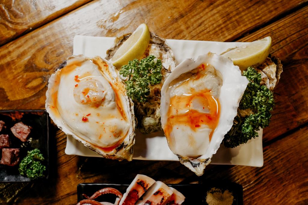 台南東區燒烤 浪兄浪弟 海鮮燒烤Bar 南洋海島環境氛圍 雞翅 骰子牛 美國生蠔必吃37.JPG