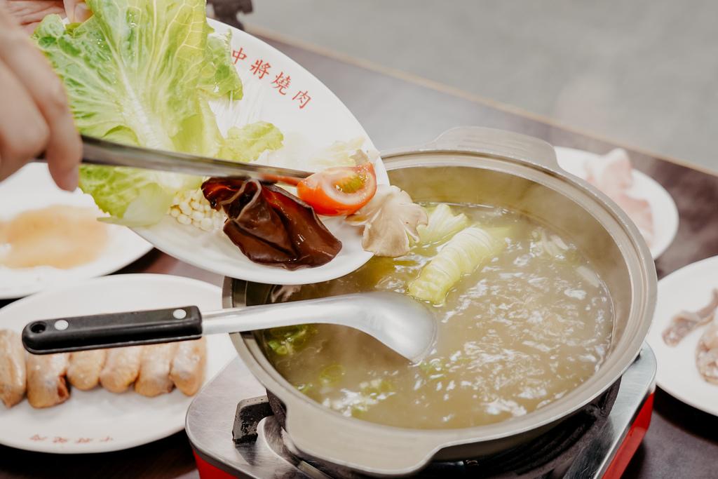 高雄鼓山區 中將燒肉屋-總店 享受當鐵板燒大廚的樂趣 火烤兩吃自助吃到飽22.JPG