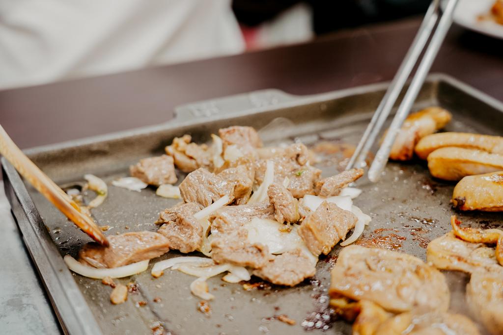 高雄鼓山區 中將燒肉屋-總店 享受當鐵板燒大廚的樂趣 火烤兩吃自助吃到飽35AB.JPG