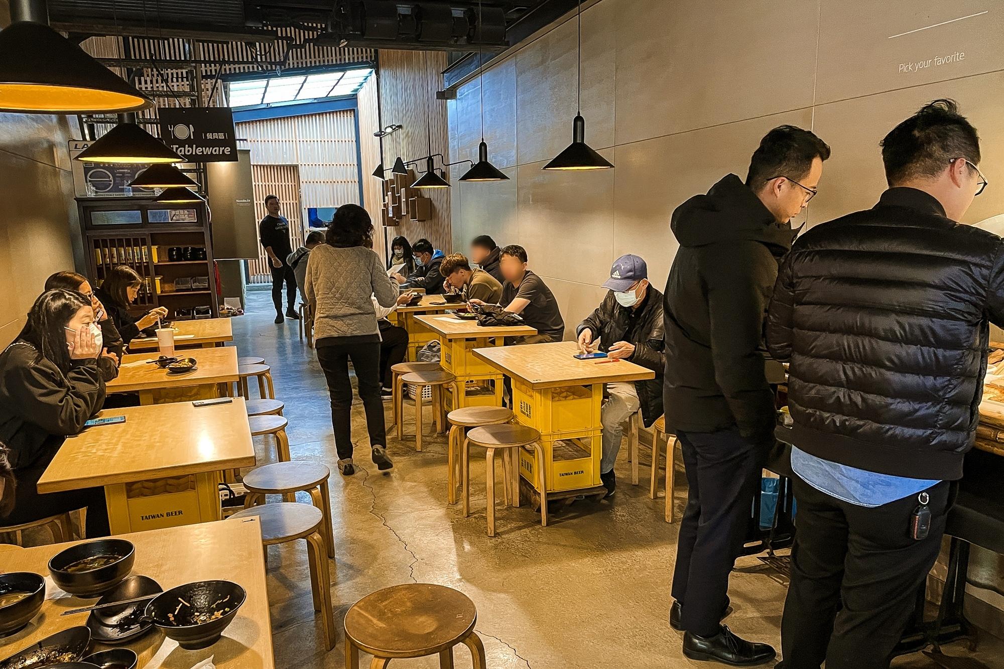 台南中西區美食 東城麵家 結合hiphop與街頭文化的潮流麵店6A.jpg