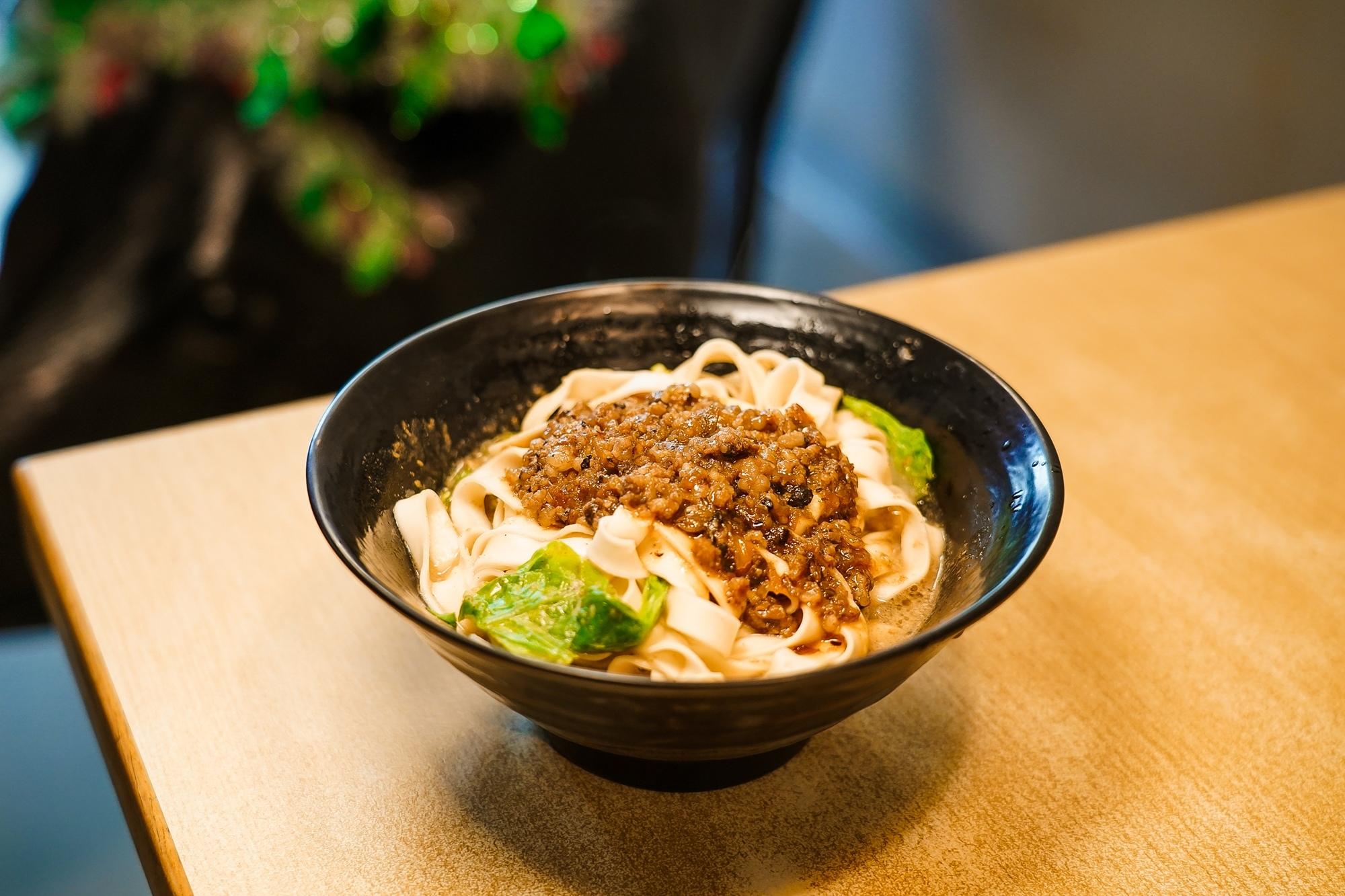 台南中西區美食 東城麵家 結合hiphop與街頭文化的潮流麵店22.jpg