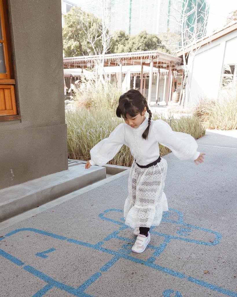 ASICS亞瑟士童鞋 穿搭LOOKBOOK 時尚外型又好穿 適合學齡前兒童17.jpg