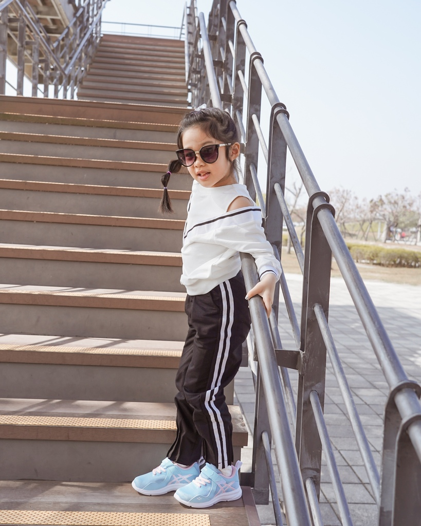 ASICS亞瑟士童鞋 穿搭LOOKBOOK 時尚外型又好穿 適合學齡前兒童42.jpg