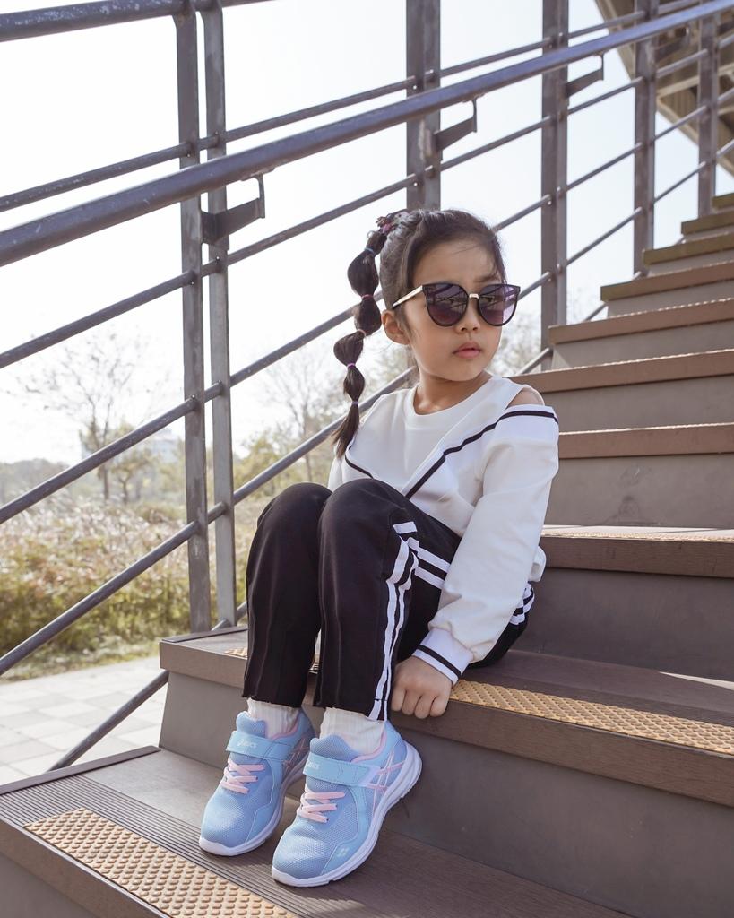 ASICS亞瑟士童鞋 穿搭LOOKBOOK 時尚外型又好穿 適合學齡前兒童44.jpg