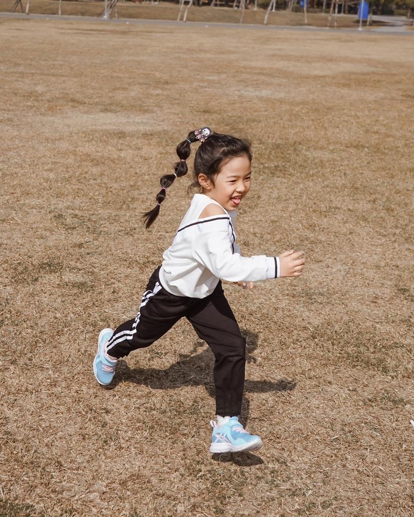 ASICS亞瑟士童鞋 穿搭LOOKBOOK 時尚外型又好穿 適合學齡前兒童46.jpg