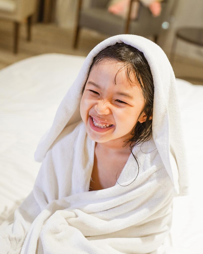 嬌生嬰兒公主沐浴露 新登場 大寶貝的洗澡好朋友 嬌生嬰兒蜜桃水嫩沐浴露18.jpg