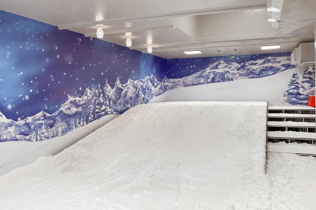高雄飄雪樂園 不出國也能玩雪 體驗零下三度雪花從天而降 偽出國親子行程10.JPG