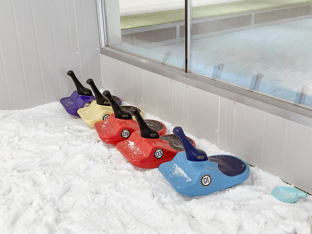 高雄飄雪樂園 不出國也能玩雪 體驗零下三度雪花從天而降 偽出國親子行程26.JPG