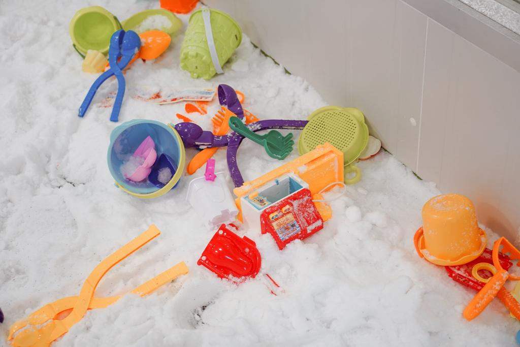 高雄飄雪樂園 不出國也能玩雪 體驗零下三度雪花從天而降 偽出國親子行程30.JPG