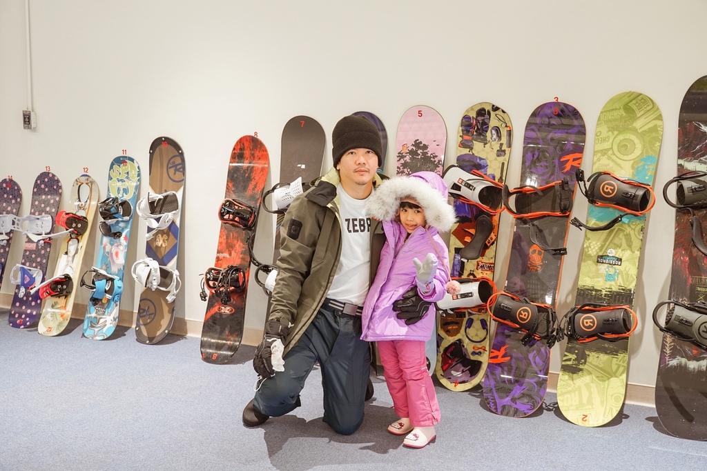 高雄飄雪樂園 不出國也能玩雪 體驗零下三度雪花從天而降 偽出國親子行程19.JPG