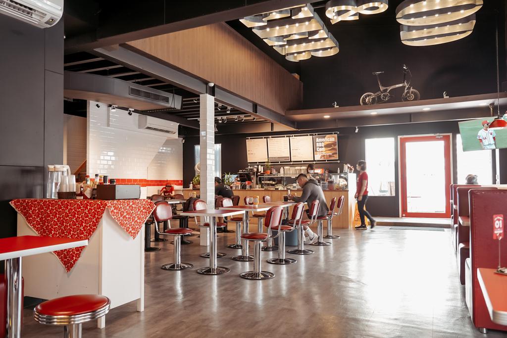 台南中西區美食 ABC BURGER 美式復古漢堡店 手拍漢堡肉 雙層花生醬牛肉堡必吃3.JPG