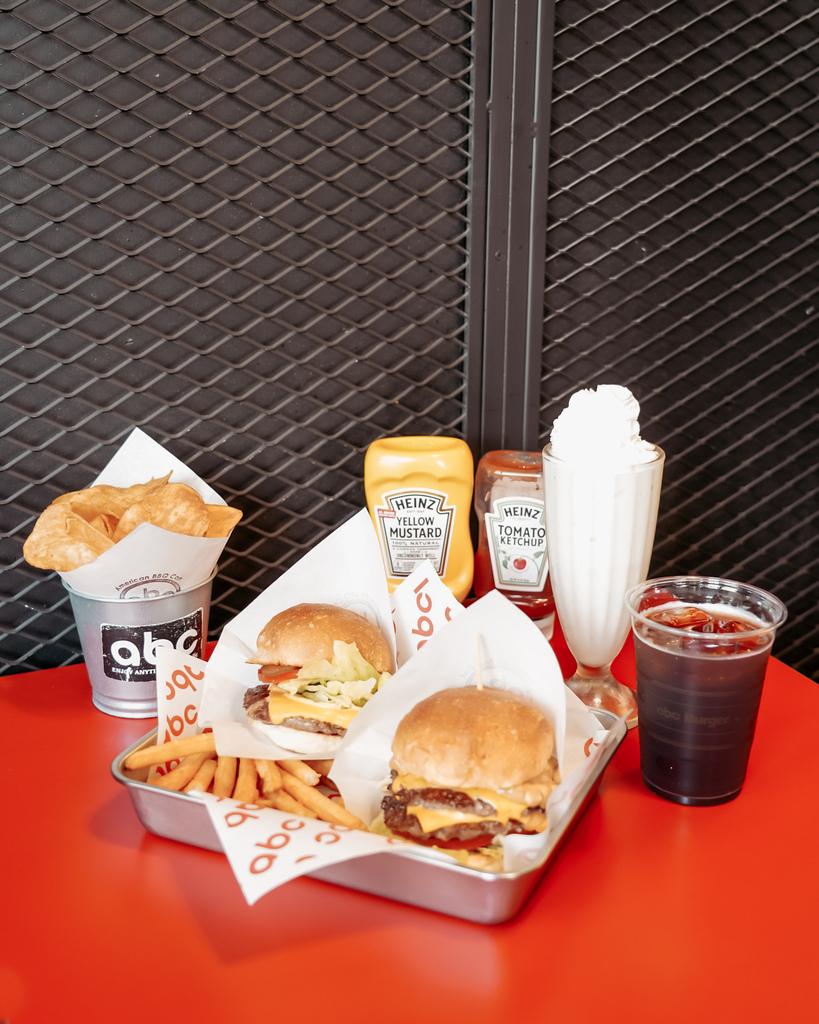 台南中西區美食 ABC BURGER 美式復古漢堡店 手拍漢堡肉 雙層花生醬牛肉堡必吃11.JPG