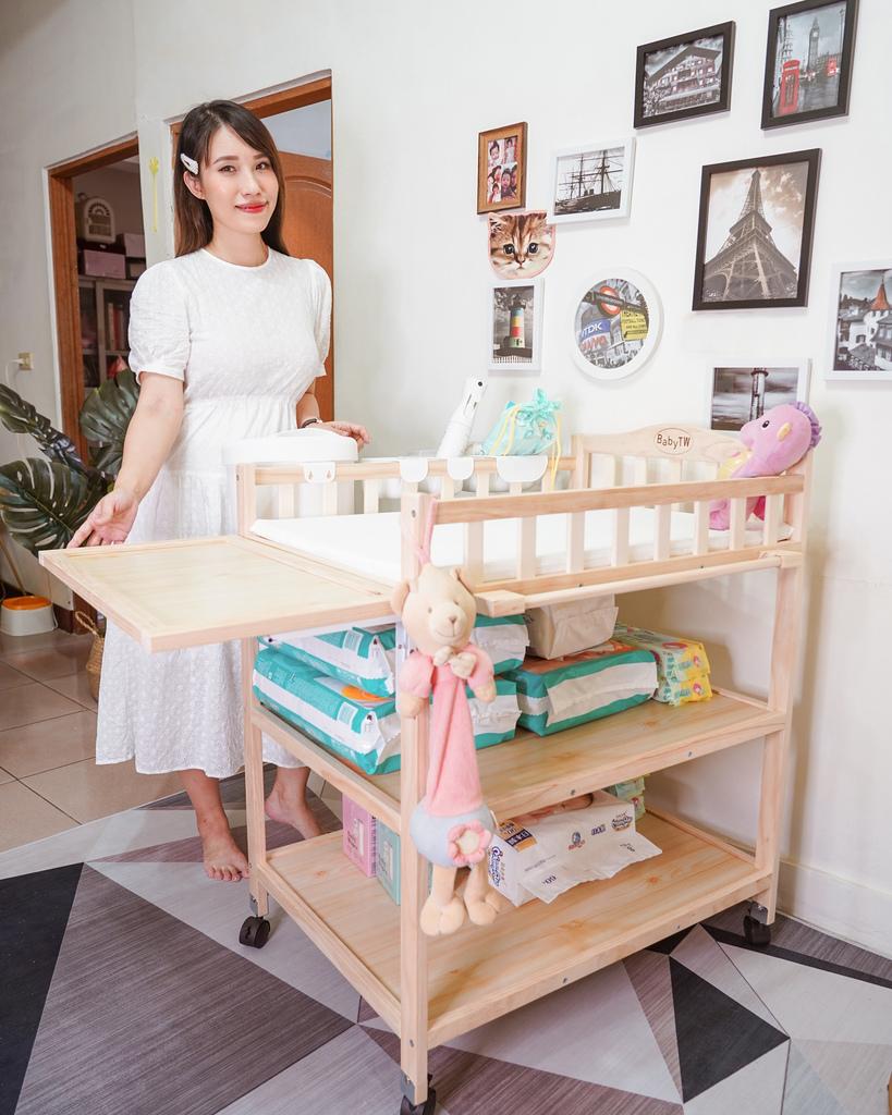 產前準備 Babytw尿布台實用嗎 尿布台上必備物品分享1.jpg