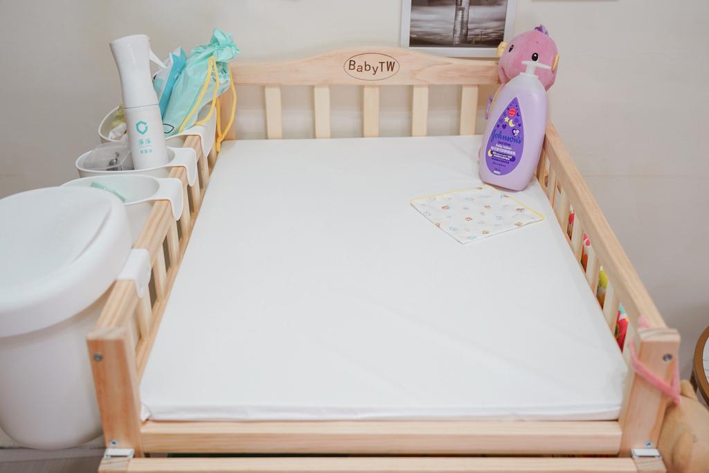 產前準備 Babytw尿布台實用嗎 尿布台上必備物品分享19.jpg