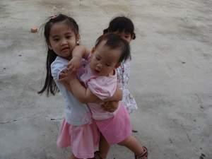 閔閔與姐姐1.JPG