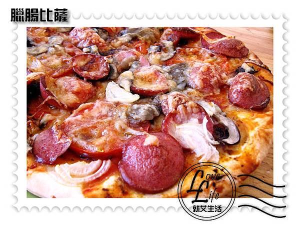 臘腸比薩2.JPG