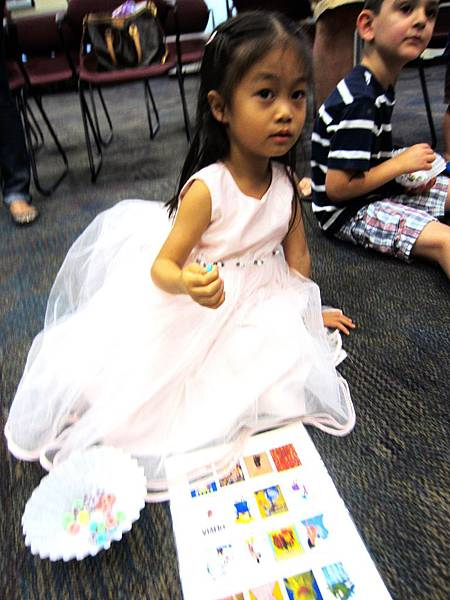 61414LibraryFamilyBookClub 02600_副本