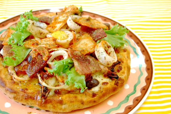 全麥芝心海鮮泡菜披薩