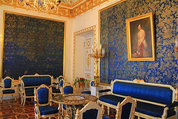 7. Peterhof IMG_9981 edited.jpg