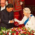 11aa.20151015 Queen Elizabeth & Xi (1).jpg