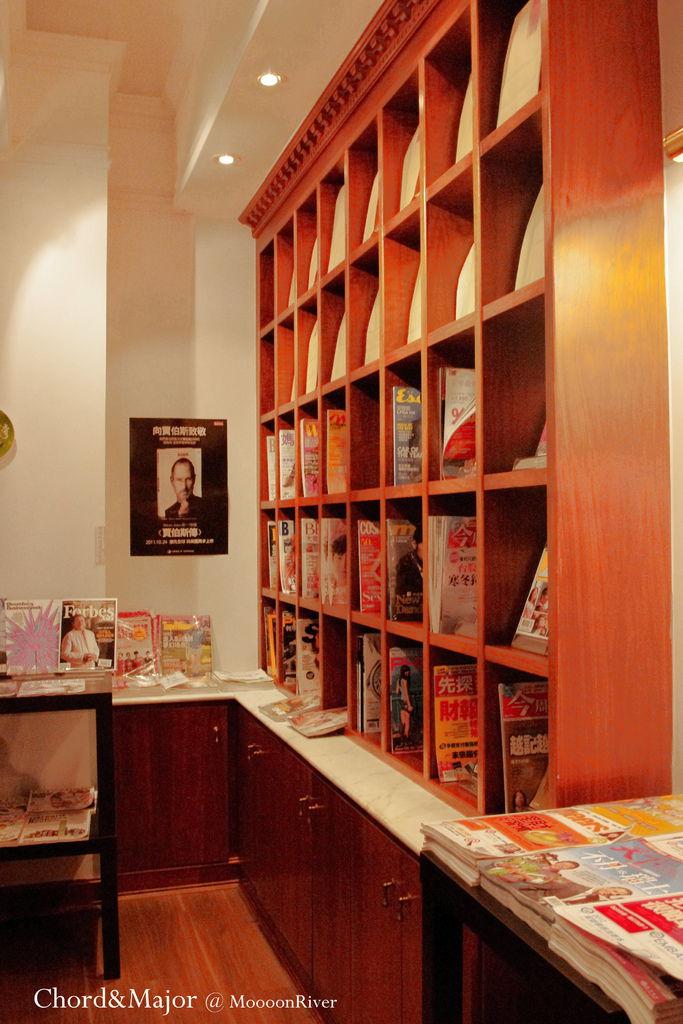 MoooonRiver Books
