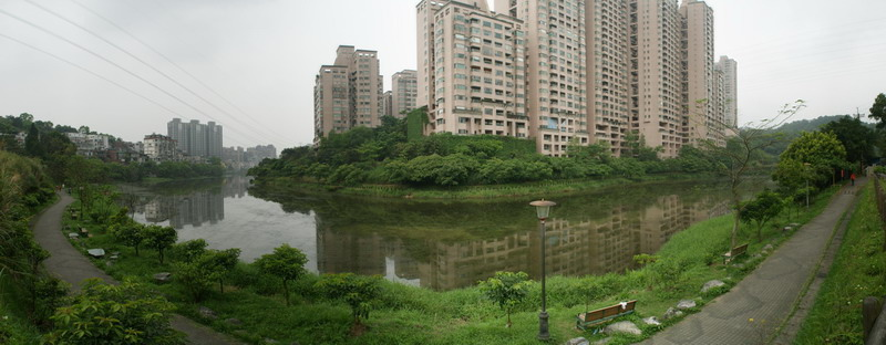 01金龍湖.jpg