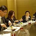 靜枝學姊是愛物惜物的客家人,吃飯速度快且確實