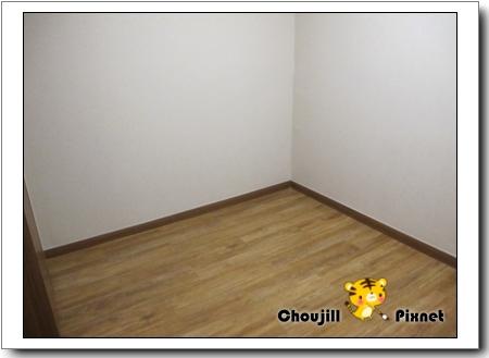 一間只有地板