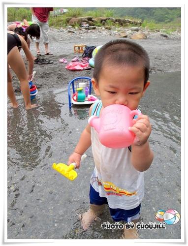 喝喝看溪水有沒有傳說中的甜