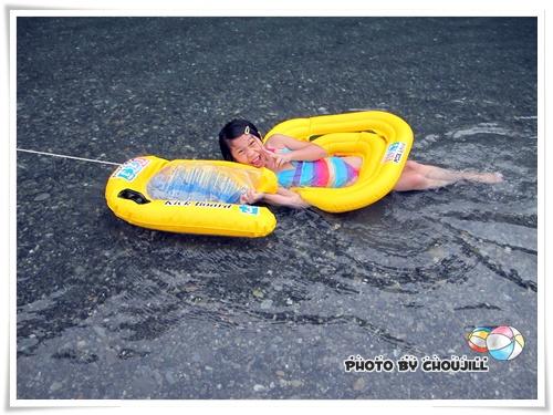 在水裏泡了一整天還不想上岸的小敏姐
