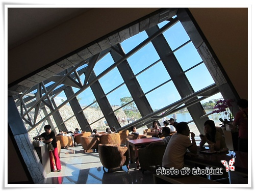 陽光灑落的咖啡廳很有fu