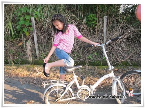 學騎二輪的小敏