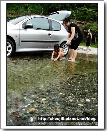 河水之冰涼可以淨車也可以洗車