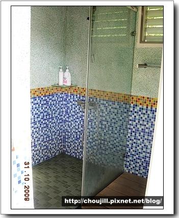 乾淨明亮的浴室