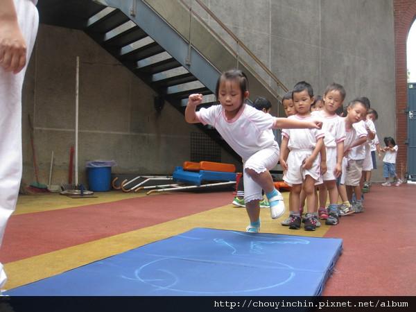 20110919體能課蹲跳.jpg