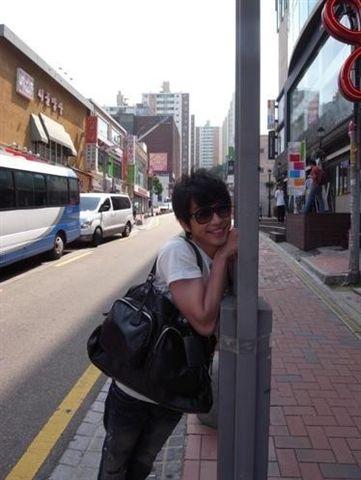 Oh~ 好喜歡首爾夏天的天氣,不會很熱,還很涼快...好舒服~.jpg