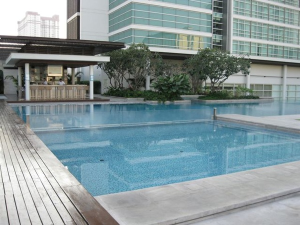 swimming pool2.jpg