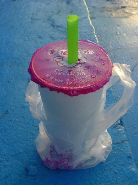 02似乎是這幾年突然流行起來的傳統紅茶冰.JPG