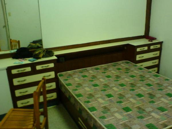 真的很像以前爸媽的房間