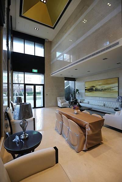 中和左岸/中和二代宅/紫金園-挑高氣派的大廳1