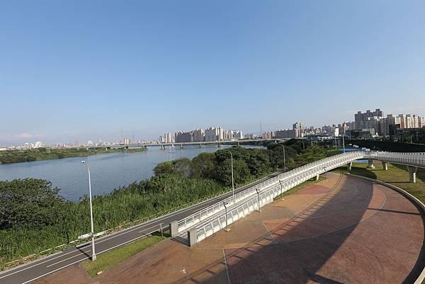 中和左岸/中和二代宅/紫金園-河濱腳踏車道