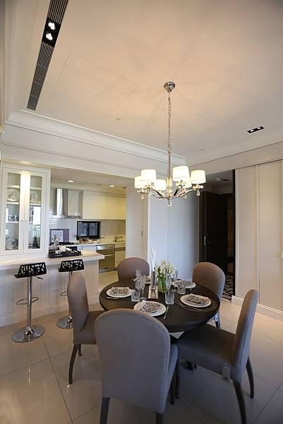 中和左岸/中和二代宅/紫金園-挑高的飯廳, 還有個小吧檯