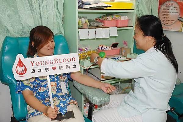 捲起衣袖 捐獻熱血.jpg