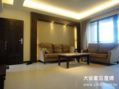 竹北最信賴租屋網 竹北套房出租管理--玄關求正財 聚寶盆 黃色擺飾加分